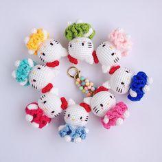 ropuropuu:: #amigurumi #crochet #bagcharm #keychain #gantungantas #gantungankunci #jualamigurumi #bonekarajut #jualbonekarajut #accessories #aksesoris #souvenir #gift #hadiah #handmade #hellokitty #sanrio