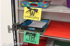 Use colored days of the week labels to help organize your daily work