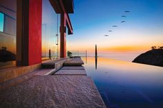 15 Soothing Infinity Pool Designs for Instant Relaxation