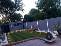 Amalfi is a new development for 2019 and scores 5 out of 5 stars in both of our ratings. We wanted to create a Grass that was ultra soft to the touch as well as being a really realistic colour with a ultra high level of density. Backyard Garden Landscape, Backyard Patio, Backyard Landscaping, Wood Landscape Edging, Garden Bed, Lawn And Garden, Back Gardens, Outdoor Gardens, Astro Turf Garden