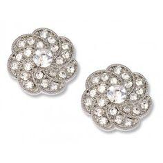 We love, love, love these #Annette flower shoe clips!! <3 www.weddingworthy.com <3