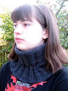 Ravelry: 3 x 3 Twisted Rib Neck Gaiter pattern by Cathy Waldie Crochet Mittens, Knitted Shawls, Knit Crochet, Knitting Scarves, Free Crochet, Loop Scarf, Knit Cowl, Knitting Accessories, Neck Pattern