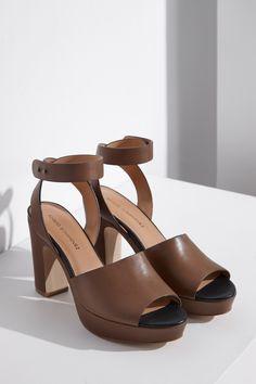 Sandalias peep-toe de piel - calzado | Adolfo Dominguez shop online