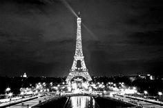 Paris 11 - dripbook: Julio Torres