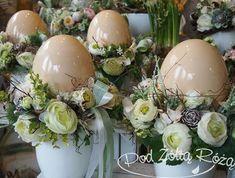 Diy And Crafts, Crafts For Kids, Easter 2018, Easter Flowers, Easter Wreaths, Spring Crafts, Happy Easter, Easter Eggs, Floral Arrangements