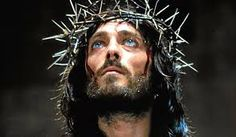 The crown of thorns in 'The Passion of the Christ Calm Meditation Music, Jesus Copy, Image Jesus, Christ In Me, Favorite Christmas Songs, Jesus Pictures, Religious Pictures, Religious Art, Crown Of Thorns