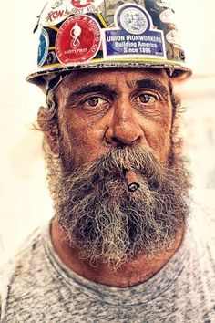 Iron Worker by Tom Hussey. Love the character study feel of the picture :) High Contrast Photography, Richard And Adam, Image Deco, D 40, Working People, Construction Worker, Beard Oil, People Around The World, Cool Pictures