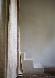 Home Interior Paint casa via dei delfini Modern Rustic Interior Natural, Home Interior, Interior Paint, Interior Architecture, Interior And Exterior, Interior Decorating, Interior Design, Wabi Sabi, Tadelakt