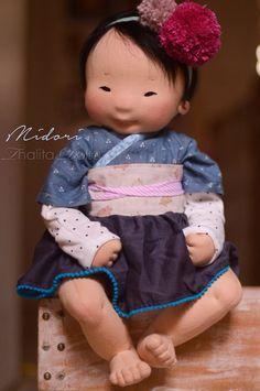 Thalita Dol - Foto's Doll Crafts, Diy Doll, Doll Toys, Baby Dolls, Dolls Dolls, Asian Doll, Waldorf Dolls, Waldorf Crafts, Doll Tutorial