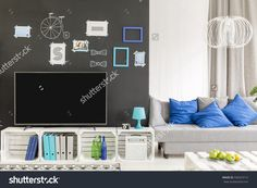 Hipster tv living room with crate furnitire and sofa