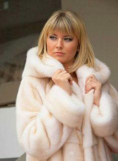 horizontally worked white (pearl?) mink coat