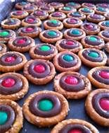 round pretzels with hershey kisses