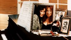 Beaches - this was my favourite movie when i was younger - great music also! Beaches Bette Midler, Barbara Hershey, Beaches Film, Movie Wallpapers, Tv Commercials, Movie Quotes, Affiliate Marketing, Bing Images, Movie Tv