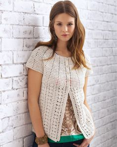 Cap off your look with this chic topper! Shown in Bernat Cotton-ish by Vickie Howell. #crochet