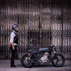 overboldmotorco: cafe #cafe #café #cafer #cafelife #caferace...  overboldmotorco:  cafe #cafe #café #cafer #cafelife #caferace #caferacer #caferacers #helmet #custom #rider #riders #realman #mot #moto #motor #motos #motors #motobike #motorcycle #motorbike #motorcycle #motolife #motolove #bike #biker #bikes #bikers #bikelife #brat by ghostiks http://overboldmotor.co