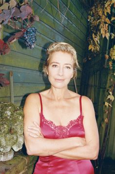 Holy cow, Emma Thompson. Is. A. Vision.
