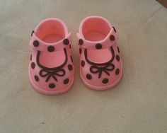 Gumpaste Baby Shoes Cake Toppers by SugarcraftByAnna on Etsy