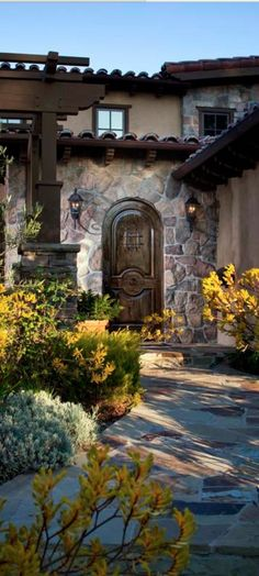 Old World, Mediterranean, Italian, Spanish & Tuscan Homes & Decor Mediterranean Style Homes, Spanish Style Homes, Spanish House, Spanish Colonial, Tuscan Style Homes, Tuscan House, Italian Patio, Tuscan Design, Hacienda Style