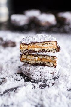(Idiot Proof) 5-Ingredient Puppy Chow Ritz Cracker Cookies   halfbakedharvest.com @hbharvest