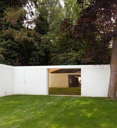 Gate viewed from inside the garden- Weekend House / Office KGDVS