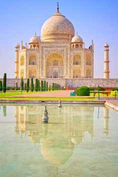 The spectacular Taj Mahal is a must see when doing the Golden Triangle Tour! - See our tour for details Wonderful Places, Beautiful Places, Taj Mahal, Places To Travel, Places To Visit, Temple India, Studio Background Images, Beautiful Nature Pictures, Best Travel Deals