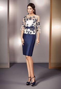 Carmen González / NATI JIMÉNEZ / Nova Temporada: Tardor 2018 Elegant Dresses, Beautiful Dresses, Formal Dresses, Chic Dress, Lace Dress, Dress Brokat, Mother Of Groom Dresses, Batik, Couture Fashion