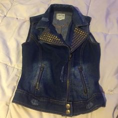 Vest 100% cotton vest with studs, two functioning pockets & 1 pocket on upper right breast for looks. Soft and comfy, let me know if you have any questions, posh on. Dolled Up Jackets & Coats Vests