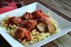 Slow Cooker Turkey Meatball Florentine #noyolksonly