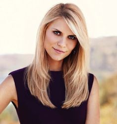 Claire Dandes Hairstyles: Side-parted Straight Haircut