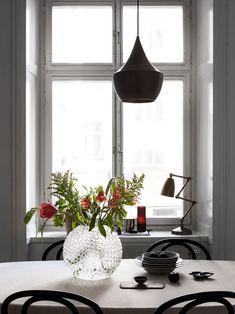 Light filled kitchen in grey - via Coco Lapine Design blog