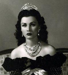 This is Princess Fawzia of Eqypt.