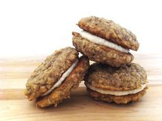 Cinnamon Oatmeal Cream Pies (vegan) from @Jessie Snyder   Made to Create