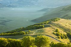 Castelluccio at first light, Umbria, Italy © Hans Couwenbergh Photography
