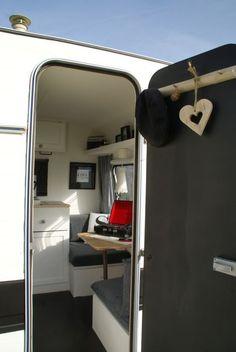 Adria | caravanity 11 Caravan Vintage, Vintage Caravans, Vintage Trailers, Pimp My Caravan, Camper Caravan, Caravan Makeover, Caravan Renovation, Caravane Adria, Hilux Camper
