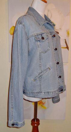 Woman's Levi Strauss Sighature SF Stretch Jacket  #LeviStraussSighatureSF #JeanJacket
