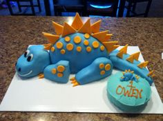 blue dinosaur cake my bff Rose loves Dinos if this is easy I