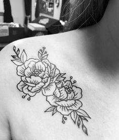 Peony collarbone tattoo Word Tattoos, Cute Tattoos, Leg Tattoos, Black Tattoos, Small Tattoos, Tatoos, Sunflower Tattoo Shoulder, Sunflower Tattoo Small, Shoulder Tattoo