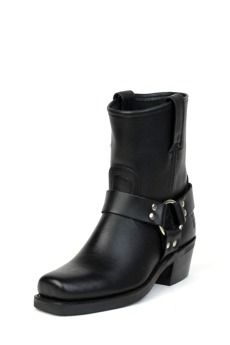 I'm still looking for that perfect pair of black boots~these come pretty close.