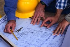 General contractors insurance doesn't have to be complicated. Let's start by first identifying what the insurance company considers a general contractor and the two categories that most general contractors fall into.