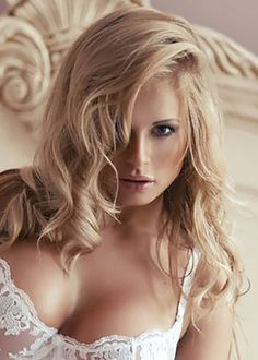 Wszyscy kochamy blondynki, czyż nie? Anonse erotyczne w ich wykonaniu to zawsze majstersztyk, bo wywołują pożądanie już od pierwszej chwili :)