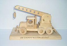 Kran Geschenke mit der Basis alle aus Holz http://www.soly-holzspielzeug.de/alle-holzspielzeug/kran-holz-geschenk-367.html