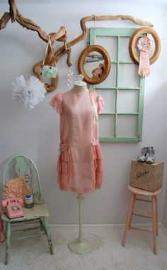 I have always been anti pink room, but the sea foam green, natural wood and pink I like this. A & I could compromise