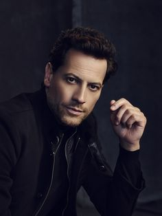 Ioan Gruffudd - watching King Arthur, right now, so thought this fitting ;-)