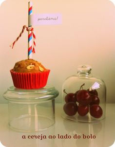 Casa:Amor: é o ano das cerejas, mas precisamos do bolo, claro...