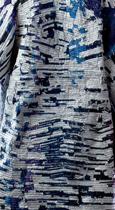 Sustainable textile: Woven paper & dyed cotton waste by Miguel Mesa.