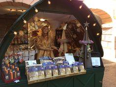 Engel Felicia auf dem Weihnachtsmarkt