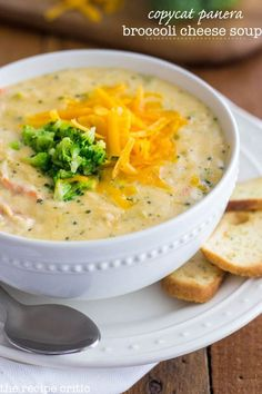 Copycat Panera Broccoli Cheese Soup at http://therecipecritic.com