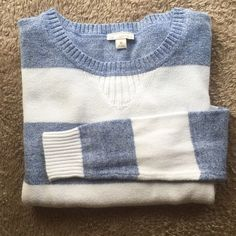FINAL SALE Gap Colorblock Sweater The perfect lightweight sweater to transition into spring! Blue and white with a pop of fuchsia at the bottom. 100% cotton GAP Sweaters
