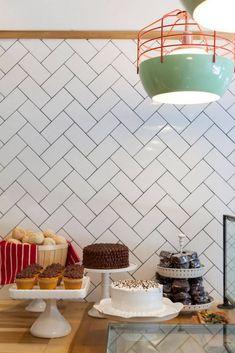 Uma loja incrível: Brigadeiro bakery! Pra quem ama preto e branco e design