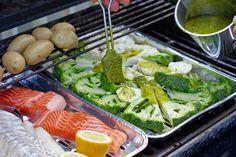 Lag urtemarinade i blender på og mariner sommerens grillmat. Vinaigrette, Broccoli, Vegetables, Drinks, Food, Grilled Broccoli, Crickets, Drinking, Beverages